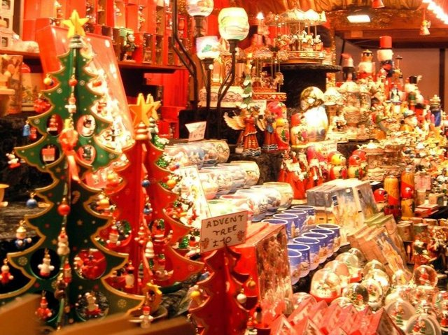 Christmas Eve 2019.Edinburgh Christmas Market 2019 Dates Opening Times Food