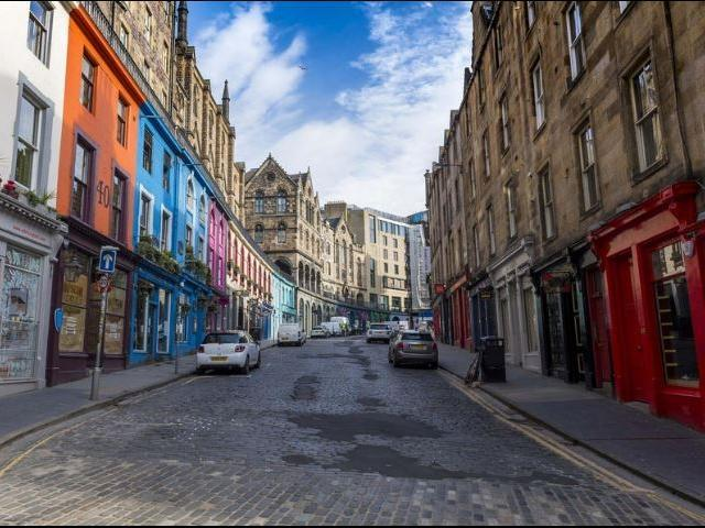 Latest Google tracking data shows drastic changes in Edinburgh's habits during lockdown