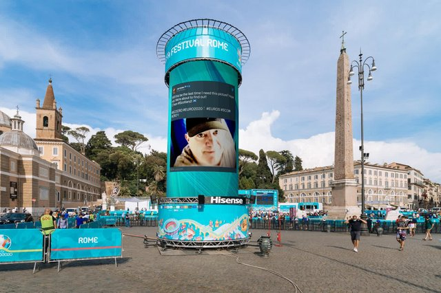 The tweet on screen at the Euro 2020 fanzone in Rome