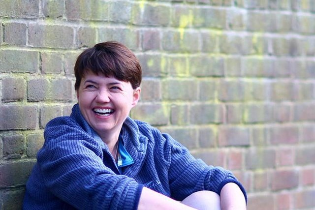 Ruth Davidson will present a TV documentary on gambling.