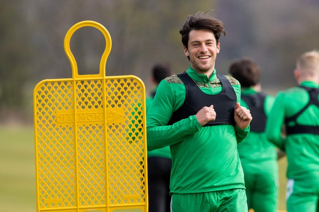 Joe Newell is focused on continuing to supply the Hibs strikers. (Photo by Ross Parker / SNS Group)