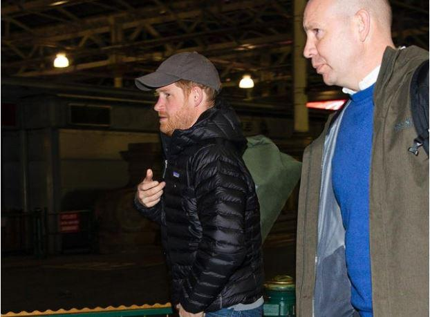 Prince Harry in Edinburgh: 'Good luck finding your platform, lad' - Edinburgh reacts to the Royal's arrival at Waverley