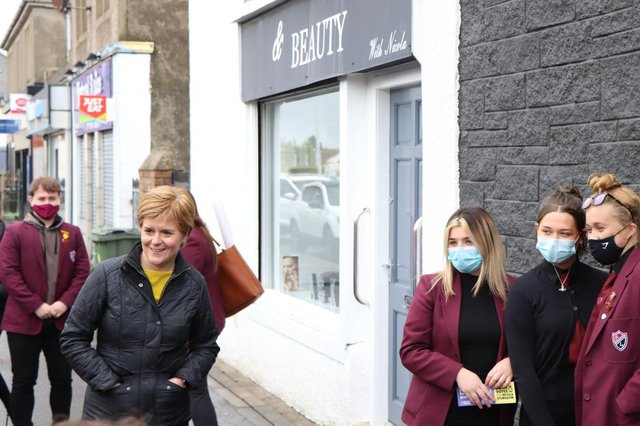 Nicola Sturgeon called in at several shops in Prestnpans