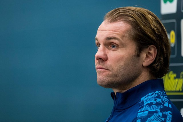 Hearts manager Robbie Neilson is meeting owner Ann Budge today.