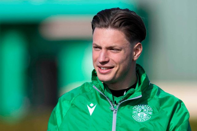 Kevin Dabrowski has extended his stay at Easter Road