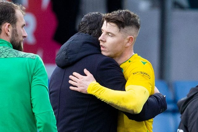 Hibs manager Jack Ross (L) and match winner Kevin Nisbet embrace at full time in Dingwall. Photo by Alan Harvey / SNS Group