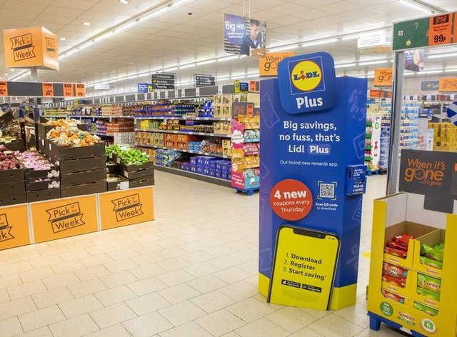 Lidl has launched a trial, return-deposit scheme at select stores across Scotland.
