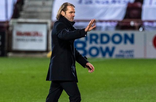 Robbie Neilson's Hearts team were convincing 6-0 winners over Alloa.