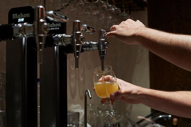 Draft lager being poured. Picture: Getty