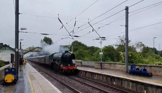 The Flying Scotsman made its way through Prestonpans at 7.50pm on Thursday evening (Photo: Ross Clark).