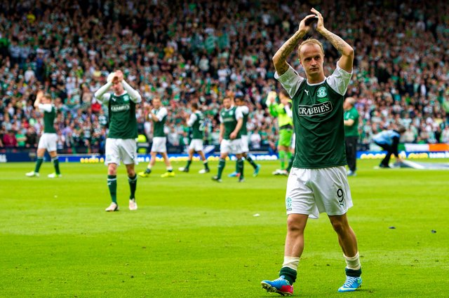 Hibs are monitoring Leigh Griffiths' contract situation
