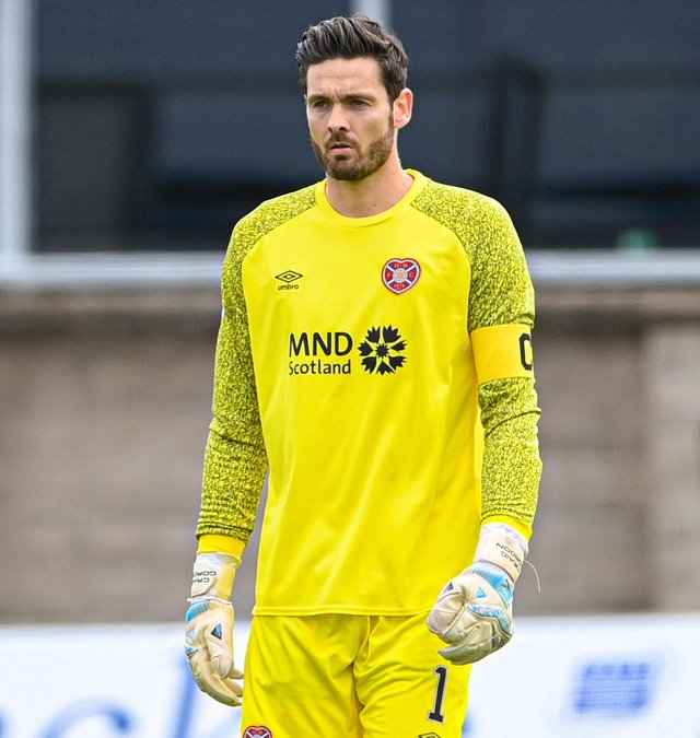 Craig Gordon kept a clean sheet for the eighth consecutive Hearts match. (Photo by Paul Devlin / SNS Group)