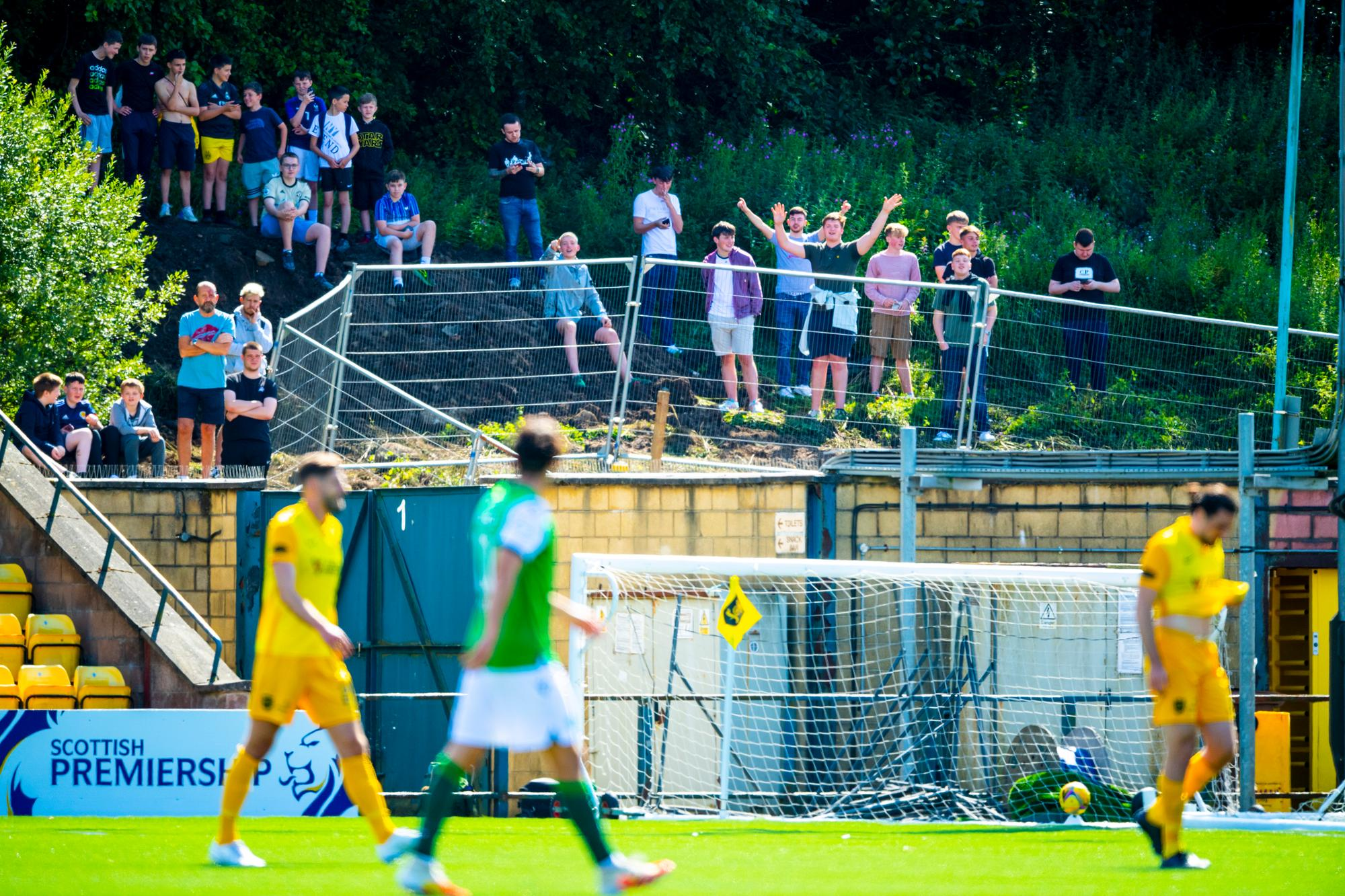 'Perfect start to the season' - Hibs fans react to fine 4-1 away win against Livingston
