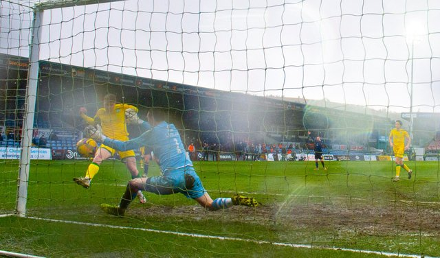 Hibs' Kevin Nisbet returned to scoring form against Ross County at the weekend. Photo by Alan Harvey / SNS Group