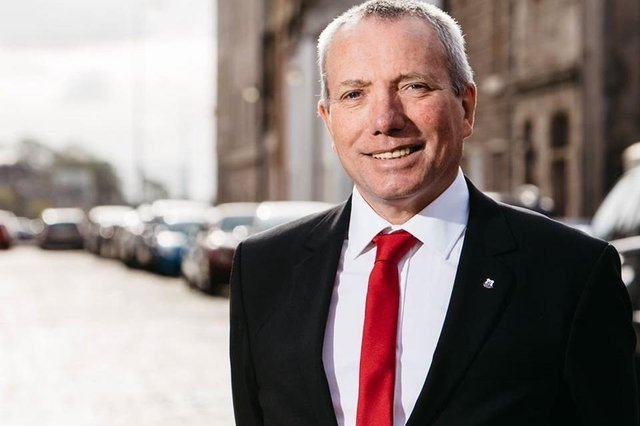 Gordon Munro will not seek re-election next year