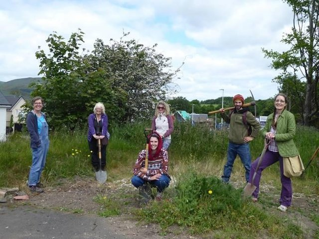 The team are working with Midlothian Council to find a site in Roslin for their new community garden.