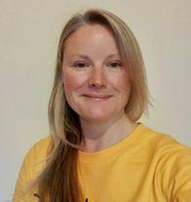 Dementia specialist nurse, Lindsay White, will be leading the new clinics-based service.