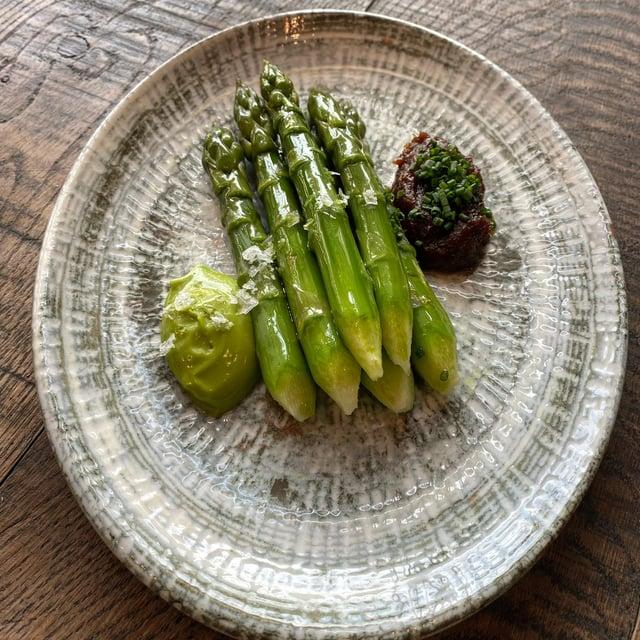 Ondine's asparagus dish