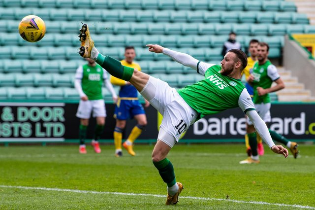 Martin Boyle goes close with a first-half chance against St Johnstone