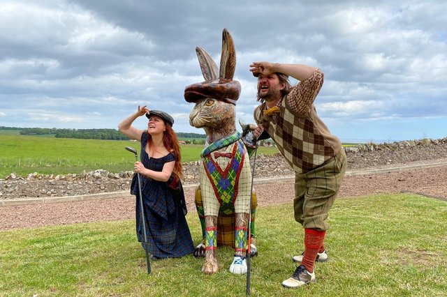 Chris Rutterford and Lubi Lykan with the golfing hare which will be in residence at the Scottish Open