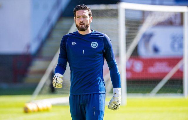 Craig Gordon had an interesting conversation with Hibs star Kevin Nisbet about the Championship. Picture: SNS