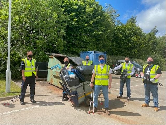 In a team effort, William Grigg, Lindy Watson, David Overton, Liam Smith, William Urban, Colin McEwen, Kevin Dargavel, James Stevenson and Alan Mcgoldrick from the Fort Kinnaird team collected 15 bags of mixed waste and bottles.