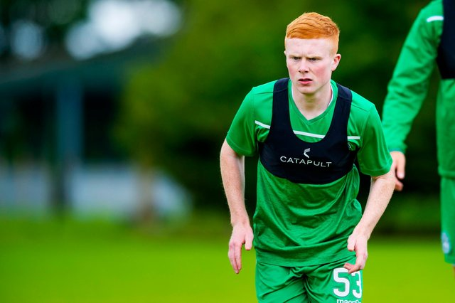 Callum Yeats has left Hibs to sign for League Two champions Queen's Park.