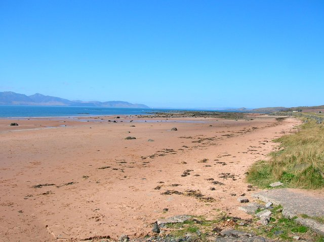 Seamill beach was closed by authorities after an unsuspecting member of the public stumbled across a cylindrical object in the sand at around 12:30pm.