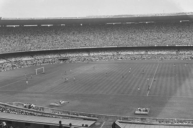 Vista geral do Estádio do Maracanã durante a partida de 1950 entre Flamenco e Vasco da Gama