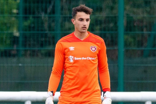 Harry Stone has joined Partick Thistle on loan from Hearts.