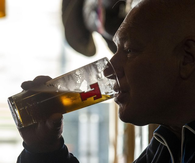 Alcohol sales in Scotland drop to lowest level for 26 years