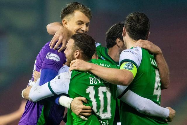 Matt Macey, Martin Boyle, Darren McGregor, and Paul Hanlon celebrate at full time