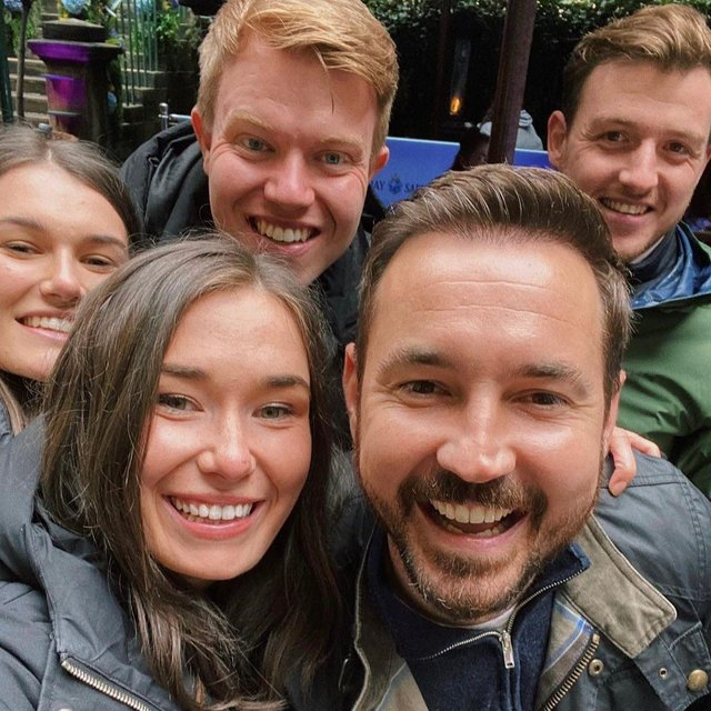 Martin Compston and cast of The Rig (Photo: Rose Street Garden).