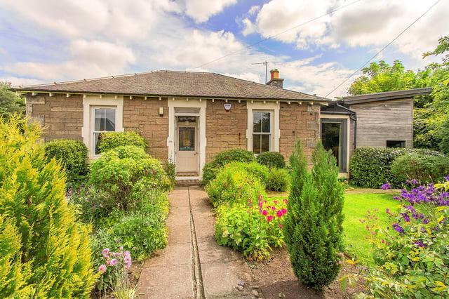 Front of cottage in Roslin, Midlothian.