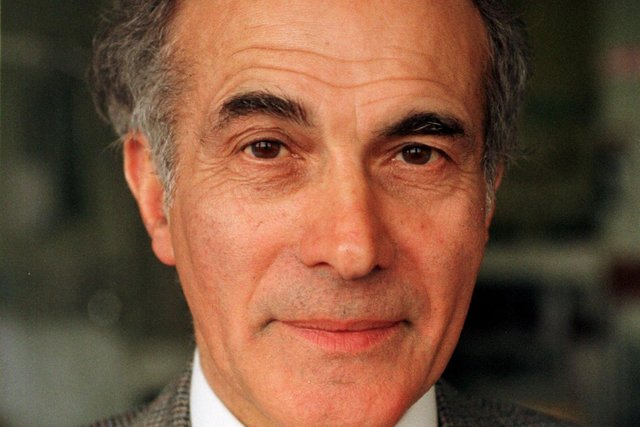Dr Hector Chawla was director of the Eye Pavilion for ten years