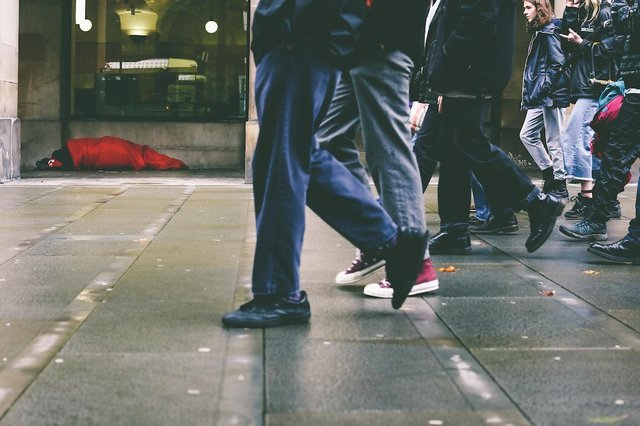 As part of their Poverty Week focus, students at Edinburgh-based George Heriot school took on Invisible Cities' 'In Our Shoes Challenge' and kept their shoes on for 48 hours (without removing them at all!) to highlight the issues faced by rough sleepers while on the streets.