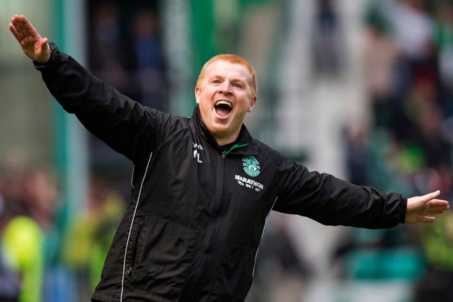 Neil Lennon celebrating after a late equaliser wins Hibs a point in a thrilling 5-5 draw with Rangers. Picture: SNS