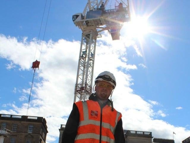 Leith Street will be partially closed to allow the crane removal to take place.