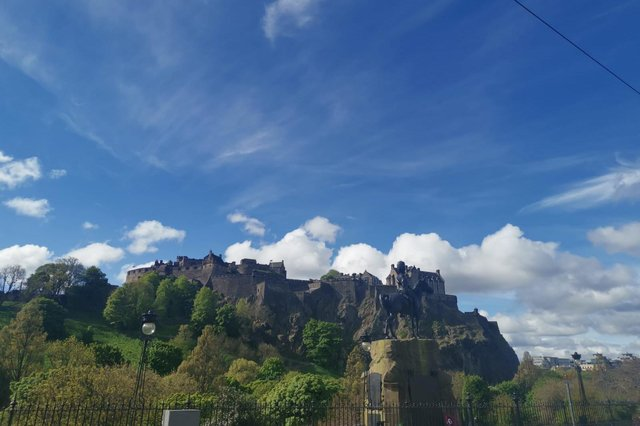 Edinburgh weather: Temperatures in the Capital to hit almost 20C as residents enjoy the sunshine