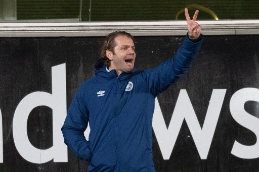 Hearts manager Robbie Neilson is two games away from the title. (Photo by Ross Parker / SNS Group)