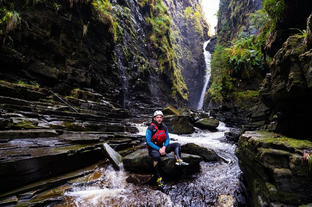 Filmmaker and broadcaster Calum Maclean has made two new programmes for BBC Alba over the last year and won an award for a short film made in his garden.