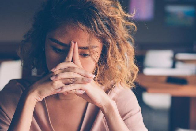 Experiencing a lot of stress over a period of time canlead to a feeling of physical, mental and emotional exhaustion, which is often called burnout (Photo: Shutterstock)