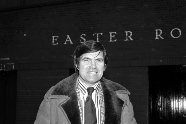 Bertie Auld arrives at Easter Road in 1980 to take the managerial reins at his former club