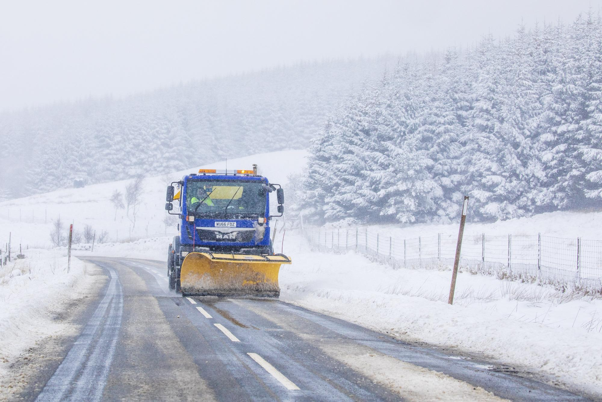 Heavy snow set to sweep across parts of Scotland just as the weekend begins