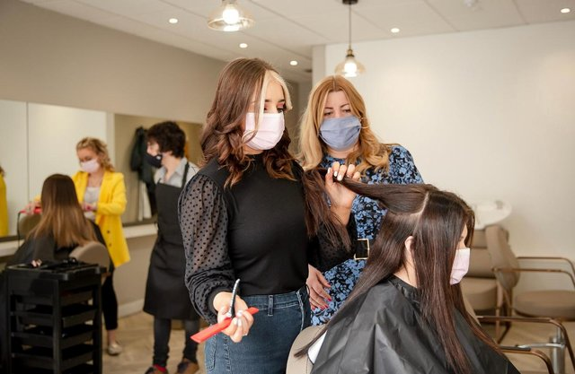 Brave, Strong, Beautiful salon supports vulnerable young adults from Edinburgh interested in the hair and beauty industry.