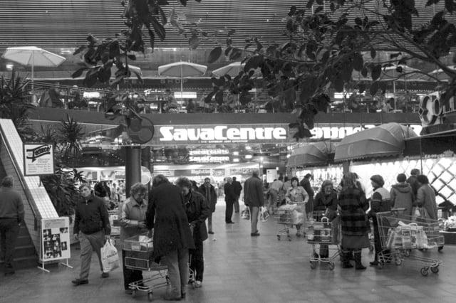 SavaCentrestore in Edinburgh shopping centre Cameron Toll in December 1985.