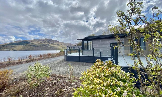 The Aspire Aurora Lodge sits right on the banks of Loch Lomond. Pics: Argyll Holidays.