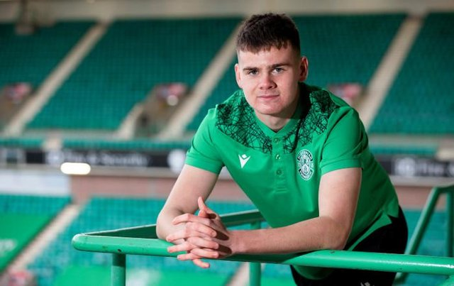 Hibs goalkeeper Murray Johnson is closing in on a move to Wolves.