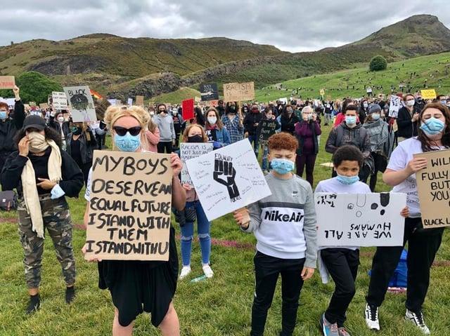 Thousands gather at George Floyd protest in Edinburgh