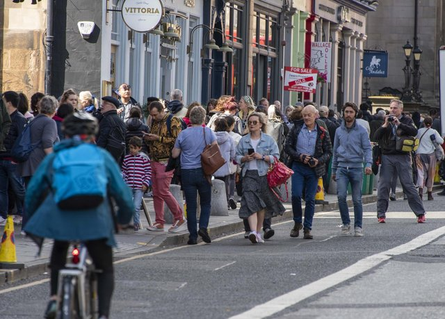 Crowds on the pavements on George IV Bridge in August 2019